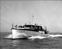 With World War II over, it was time to move up, and move up Chet did with the Courier, his largest yacht, 53' long. It was built by Grebe, and the Grebes were Chet's personal friends. Chet bought the yacht from Arnold Horween, who, after a brief career in the NFL, owned Horween Leather in Chicago. Grebe built and sold the yacht to Horween in 1939 as the Rusty II. My thanks to Donald P. Kusterer who furnished much of the information about the Courier.