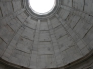 Looking to the ceiling. It evokes the Pantheon in Rome; the classical influence is very marked in American memorial architecture.